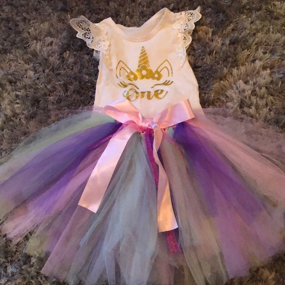 a32e63bedc247 One Unicorn Birthday Outfit
